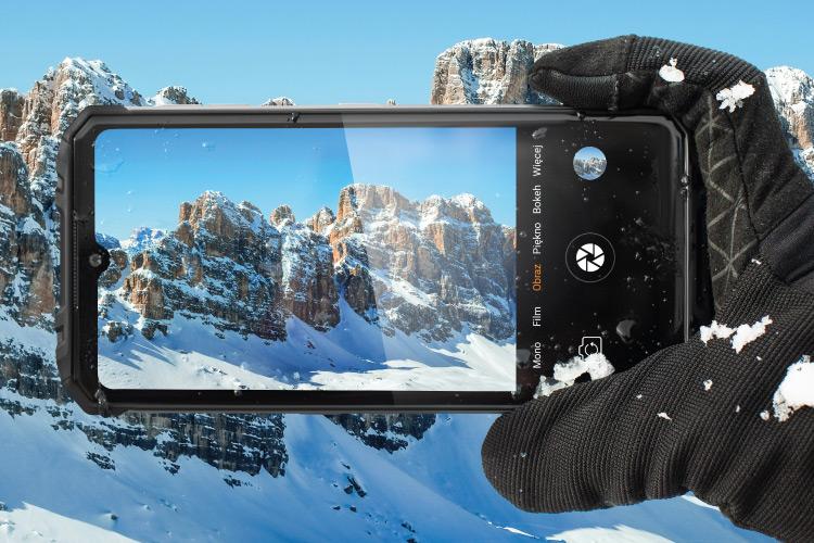 Pancerny smartfon z dobrym aparatem