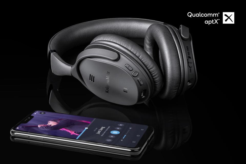 Myślisz, że wybierając słuchawki bezprzewodowe rezygnujesz z wysokiej jakości brzmienia? Nic bardziej mylnego! Słuchawki F7A wykorzystują technologię Apt-X, dzięki której możesz słuchać swoich ulubionych kawałków bezprzewodowo, a jednocześnie z dźwiękiem tak doskonałym, jaki oferują słuchawki przewodowe.