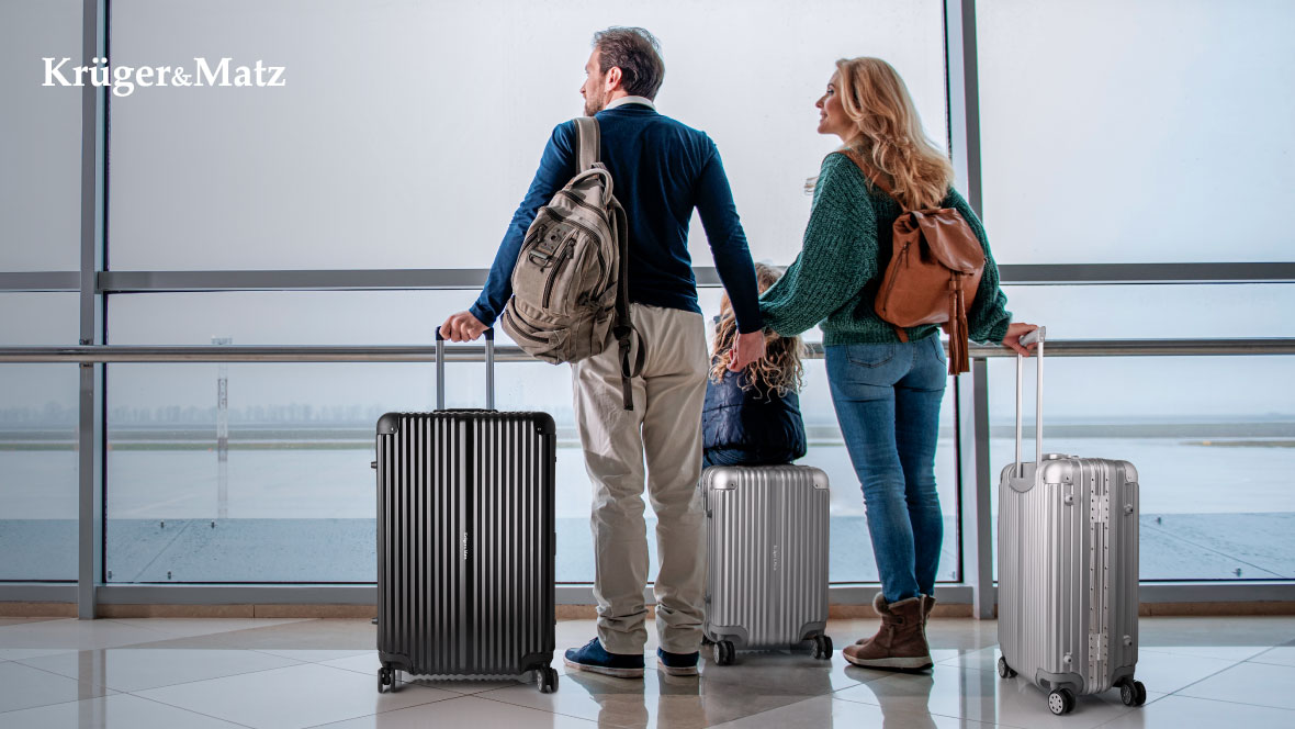 Plastikowa walizka Kruger&Matz średnia