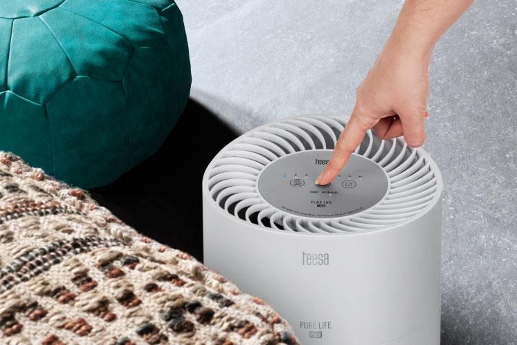 Oczyszczacz powietrza z panelem dotykowym